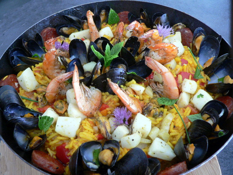paella aux fruits de mer magg kitchenette. Black Bedroom Furniture Sets. Home Design Ideas